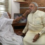 14-22-modi-with-mother-protection