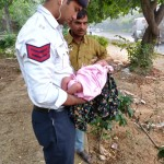 Traffic Police Delhi which saved the life of a newly born baby girl